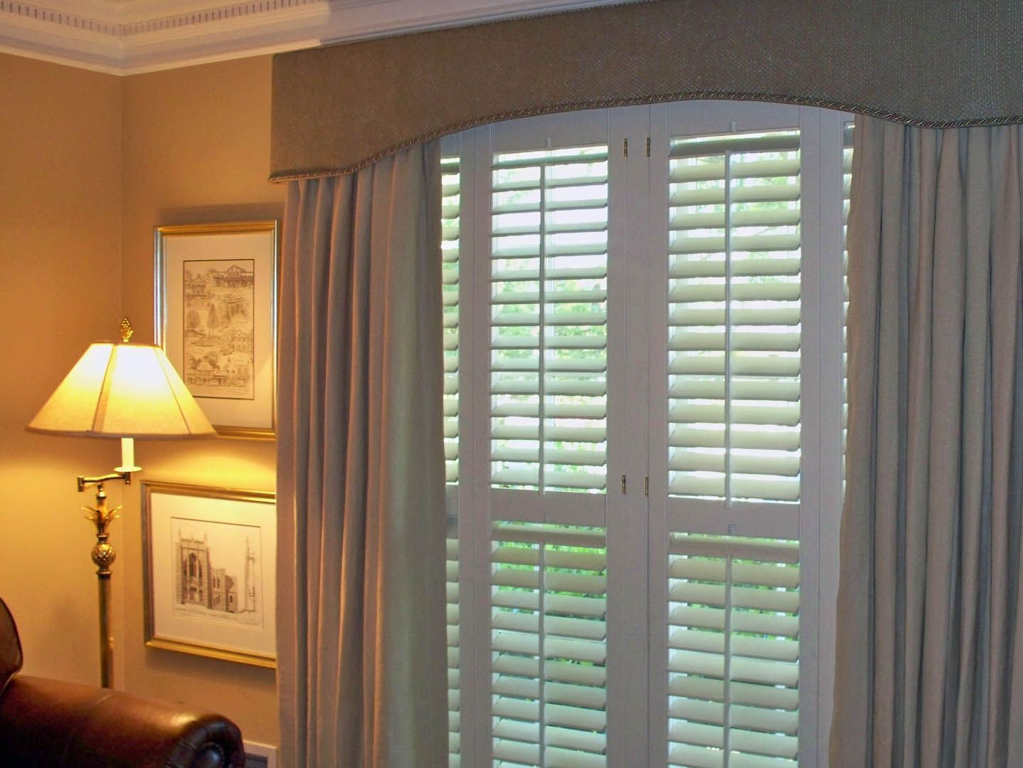 D Ries Curtains And Cornice Board