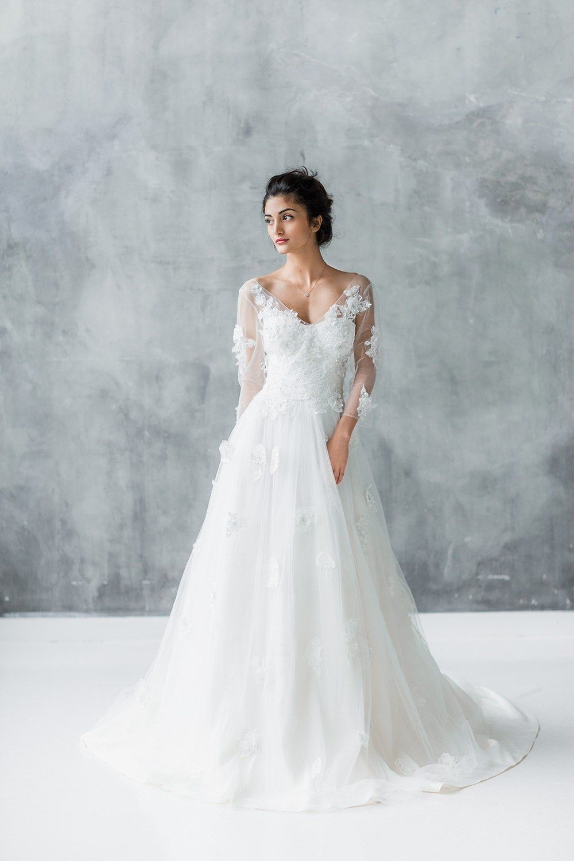 Floral Applique Wedding Dress Long Sleeve Wedding Dress Lace Wedding Dress Long Sleeve Wedding Dresses [ 1500 x 1000 Pixel ]