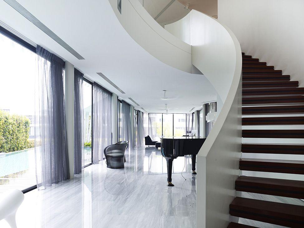Diseño de moderna casa de dos pisos con azotea jardín decorativa ...
