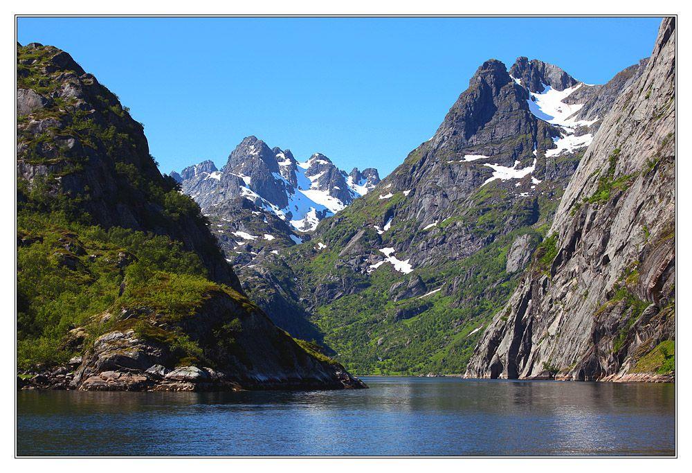 Trollfjord, Lofoten.