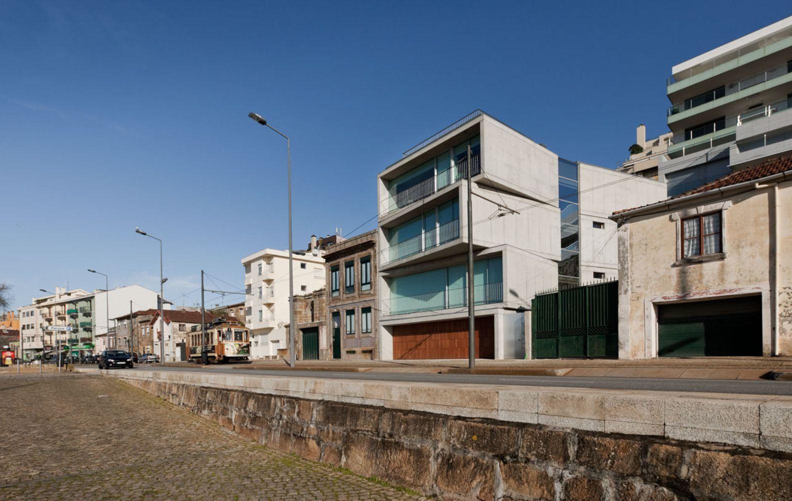 Cantareira Building / Eduardo Souto de Moura