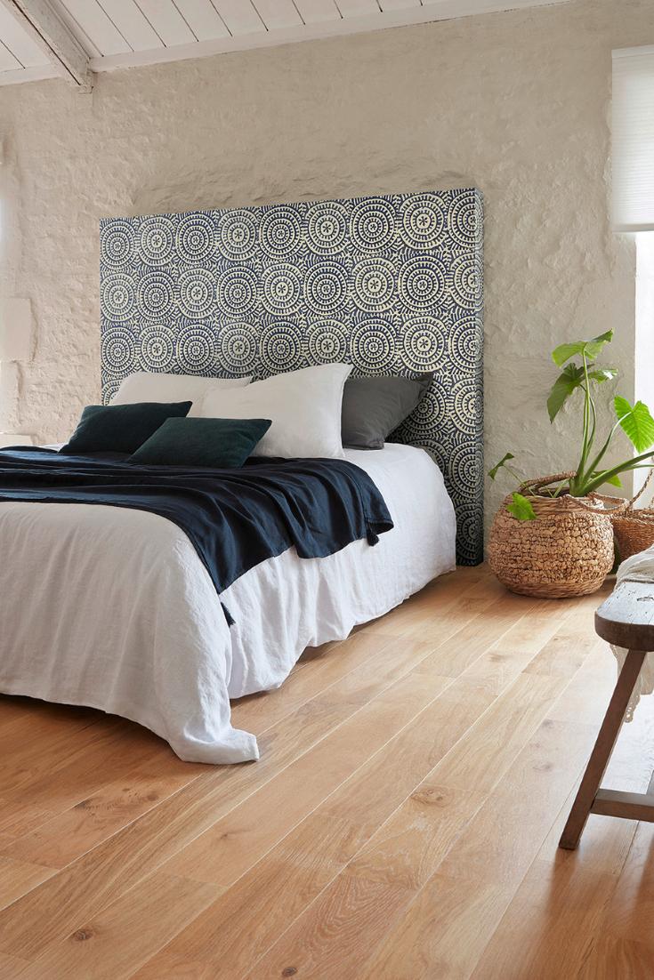 Papier Peint Chambre Moderne créez une chambre moderne avec une tête de lit en papier