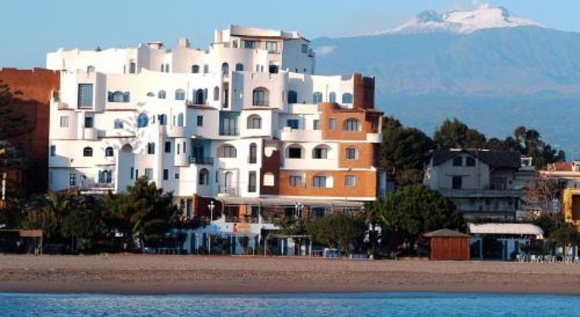 Sporting Baia Hotel Giardini Naxos Sporting Baia offers a