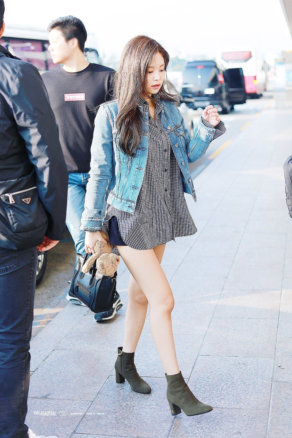 Blackpink Jenny Airport Fashion Kpop | Airport Fashion | Pinterest | Airport fashion Blackpink ...