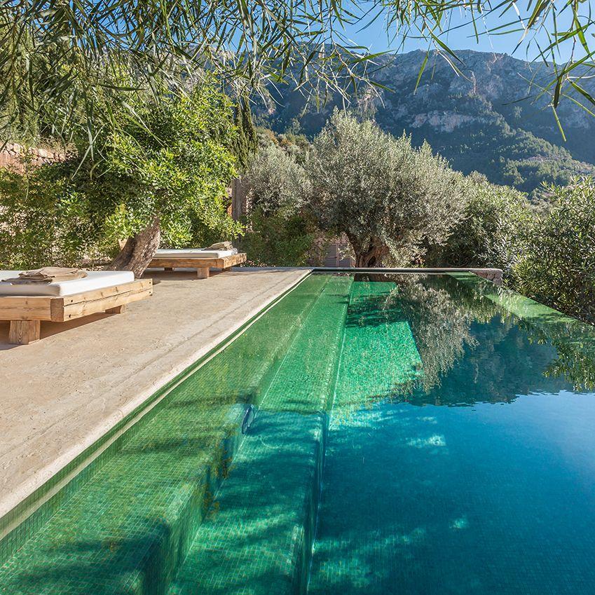 A bohemian winter holiday home in mallorca 1960s villa for Kapfer pool design mallorca