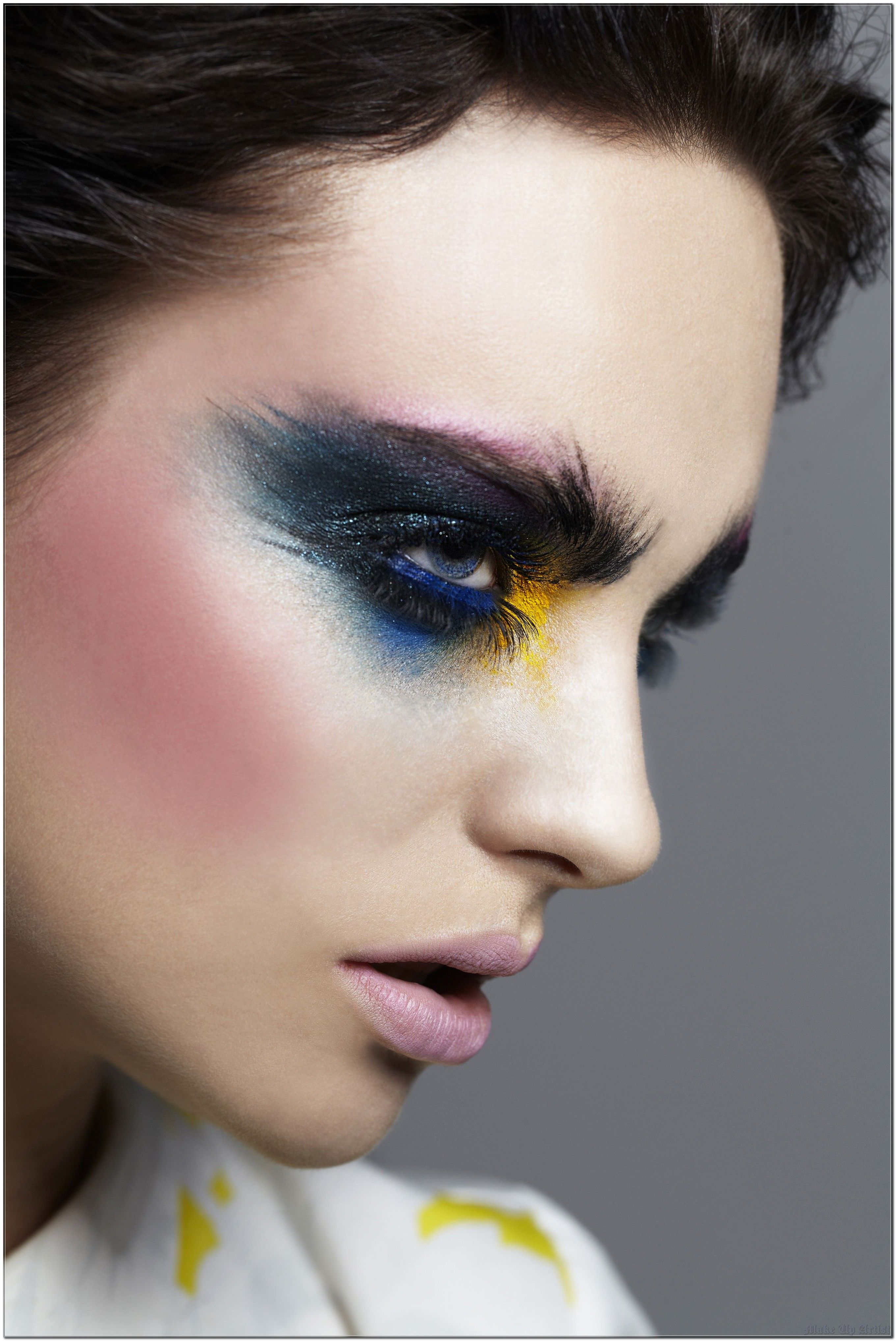 How To Win Friends And Influence People with Make Up Artist