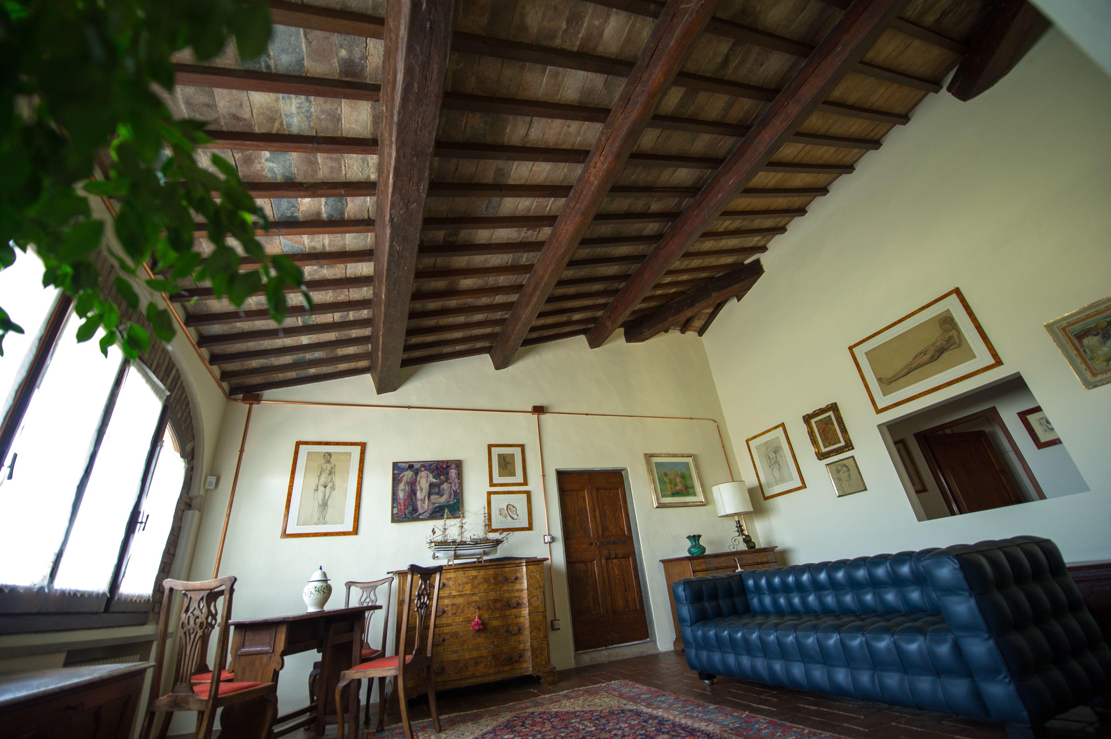 La nostra struttura, immersa nel Chianti fiorentino, offre
