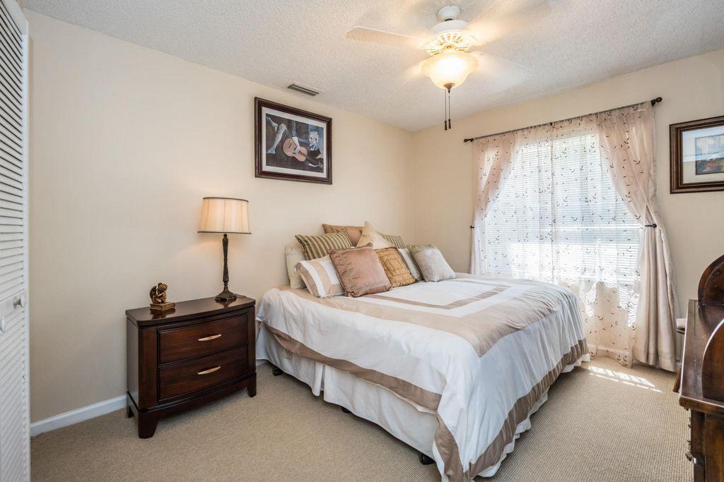Palm Beach Gardens Vacation Rentals 2 Bedroom House Indoor Outdoor Seating House Rental