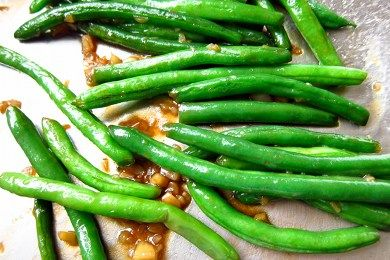 Asian Green Beans Recipe  (makes 4 side dish servings)     45 calories, 1.3 g fat, 7.8 g carbohydrates, 1.8 g protein, 2.9 g fiber, 464 mg sodium, 1 PointsPlus