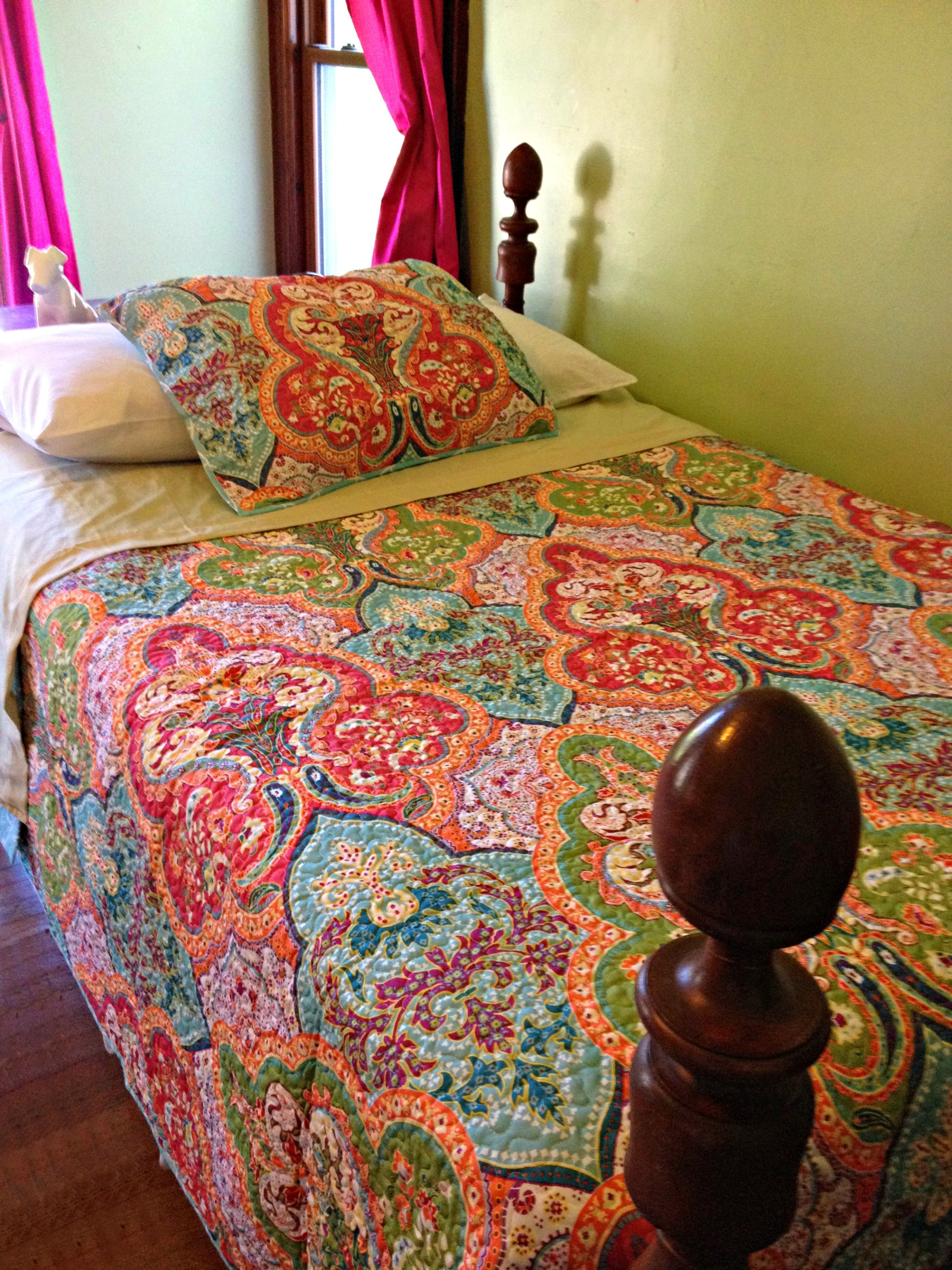 Elegant Better Homes And Gardens Jeweled Damask Quilt   Google Search