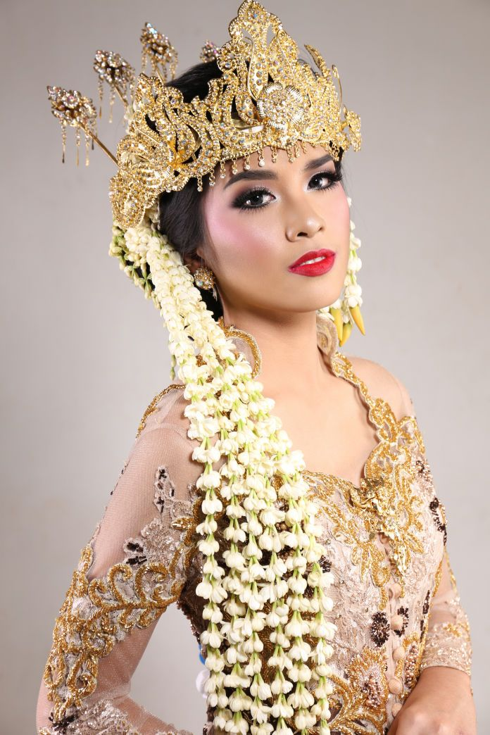 Indonesian traditional wedding make up Wedding Vendors