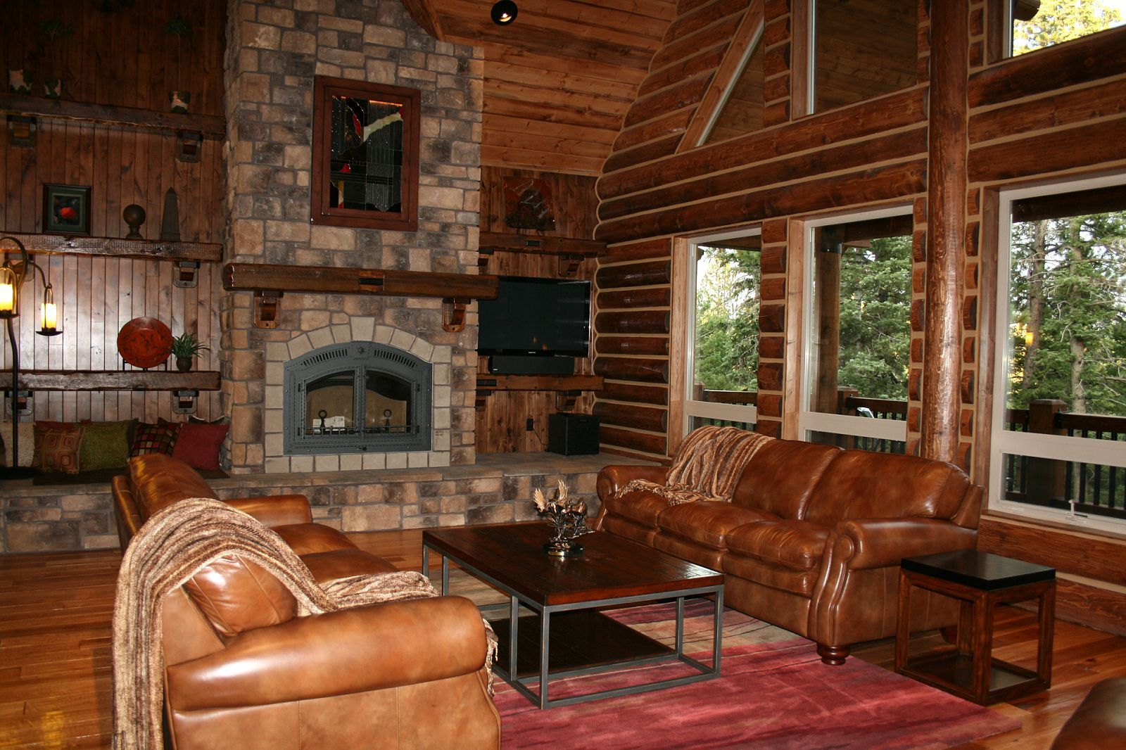 Pics of log home interiors california log home kits and Home plans with interior pictures