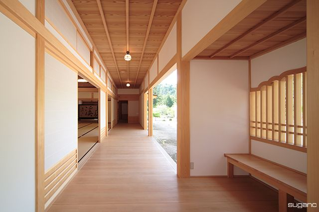 臨済宗 永保寺 岐阜県 中庭に面した板貼の廊下 寺院設計 寺院