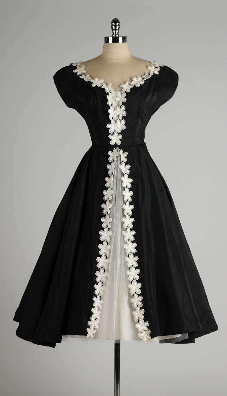 Vintage 1950 S Black Taffeta White Macrame Flower Dress Vintage 1950s Dresses Designer Evening Dresses Vintage Dresses [ 1337 x 768 Pixel ]