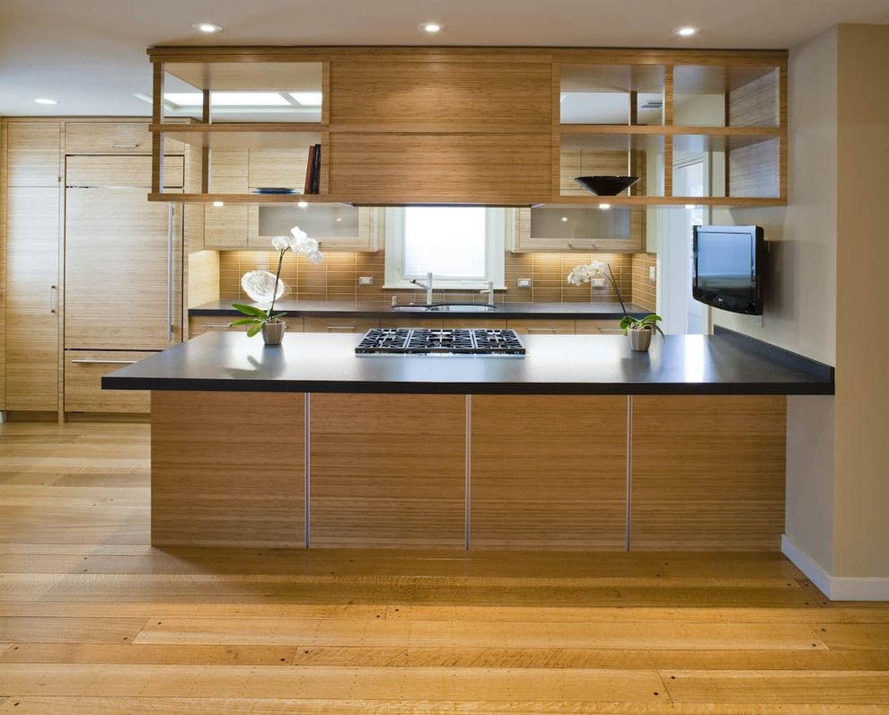 U Shaped Kitchen Suspended Cabinets Kitchen Cabinet Can Be A Terrific Option In Simple Kitchen Remodel Kitchen Inspiration Design Inexpensive Kitchen Remodel