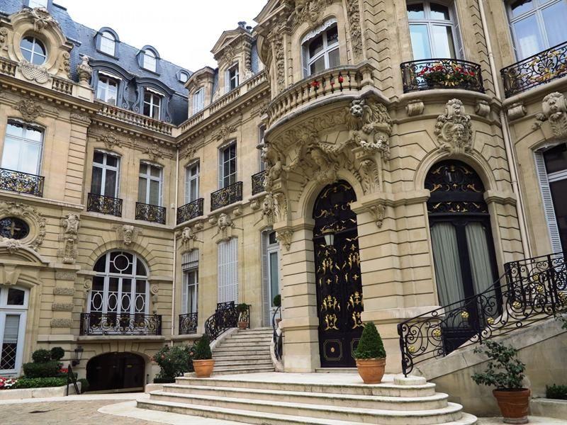 Ce Superbe Hotel Particulier De 425 M Divisible Avec 4 40 M De Hauteur Sous Plafond S Admire Depuis Le No Hotel Particulier Immobilier Paris Maison De Maitre