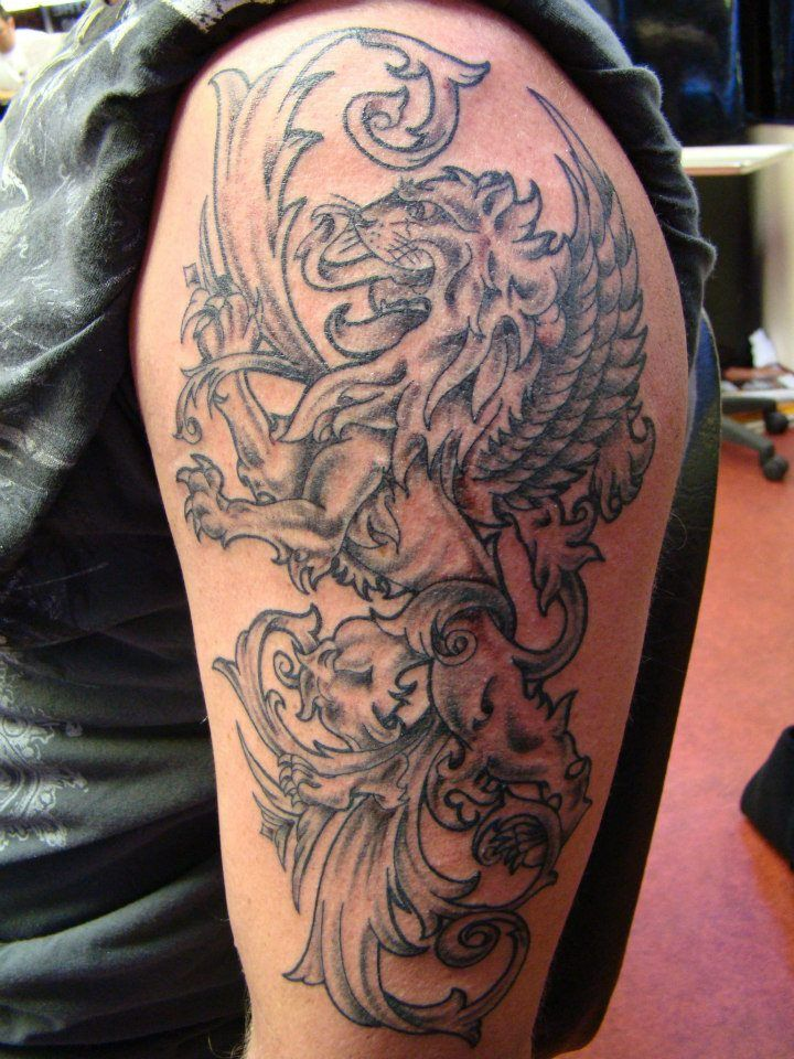 Jake tattoo tulsa tattoo co coat of arms rampant lion for Die hard tattoo albany oregon