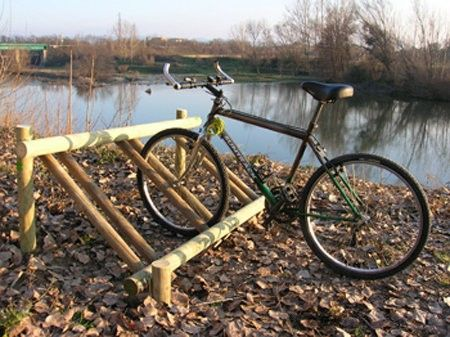 Aparcabicicletas de madera r stico aparcabicicletas de madera tratada en autoclave aparcar - Parking de madera ...