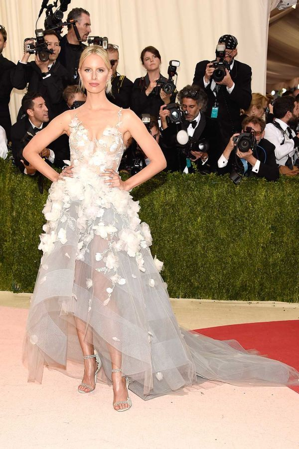 Karolina Kurkova in a frothy 3-D floral Marchesa gown at the 2016 Met Gala