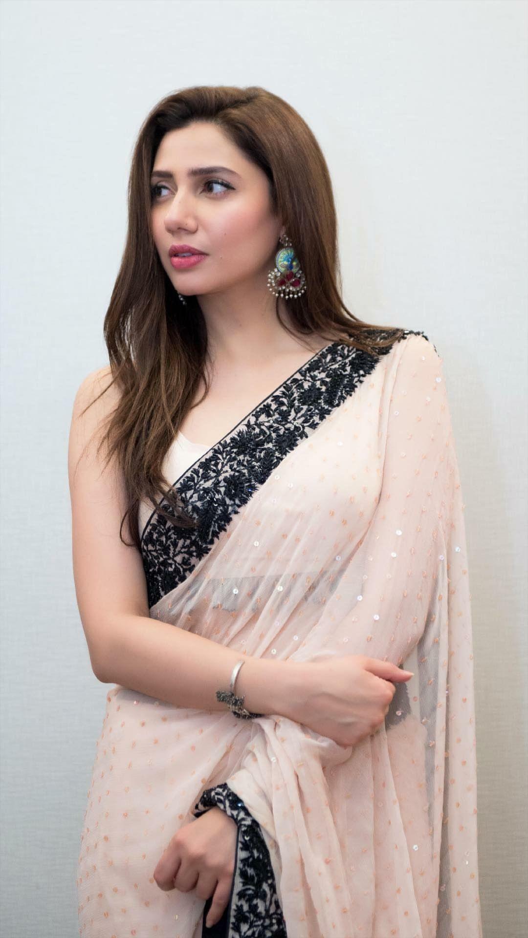 45a4f52c79 Mahira Pakistani Models, Pakistani Dramas, Pakistani Dresses, Indian Sarees,  Indian Dresses,