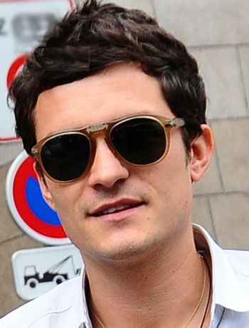 f073ce65edfd0 Orlando Bloom in Persol sunglasses