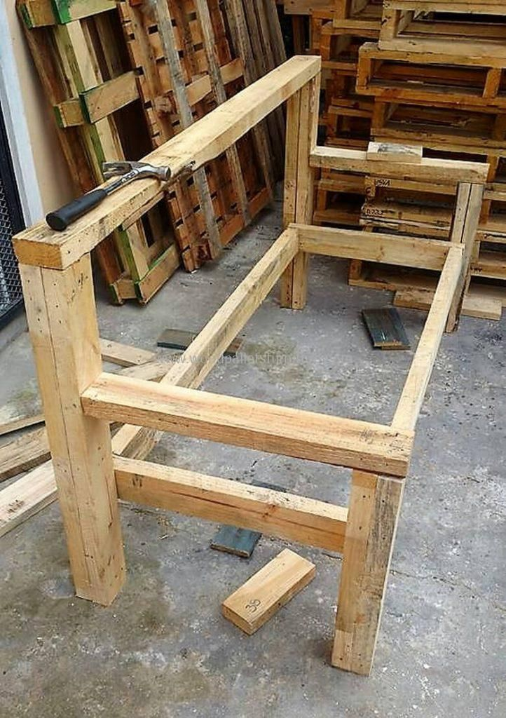 DIY Recycled Wood Pallet Bench Plan upcycle furniture Pinterest