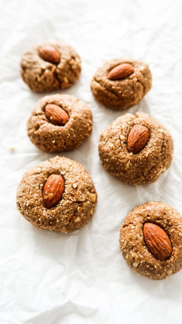Healthy nobake almond butter cookies energy balls
