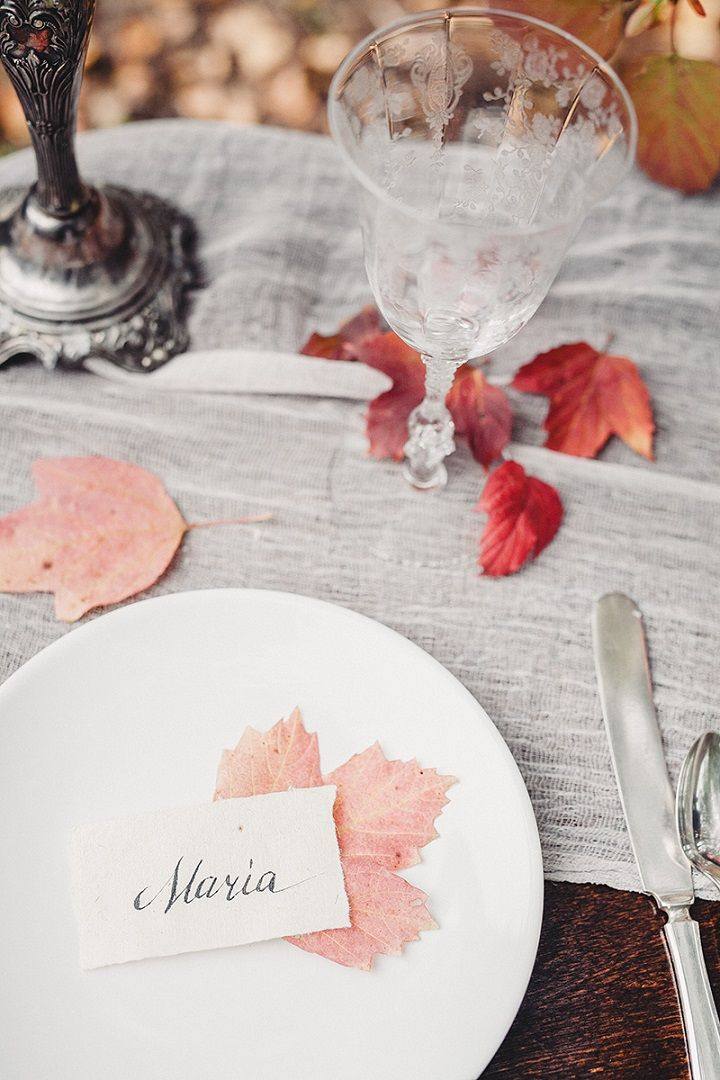 Simple autumn wedding table decorations in woodland | fabmood.com #wedding #autumnwedding #fallwedding #groom #bride #brideandgroom #weddinginspiration #filmwedding #fineartwedding #weddingphotography