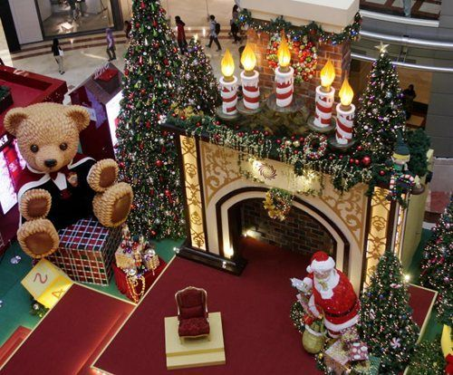 christmas decorations ideas for mall santas workshop new year 2018 display ideas shopping - Mall Christmas Decorations