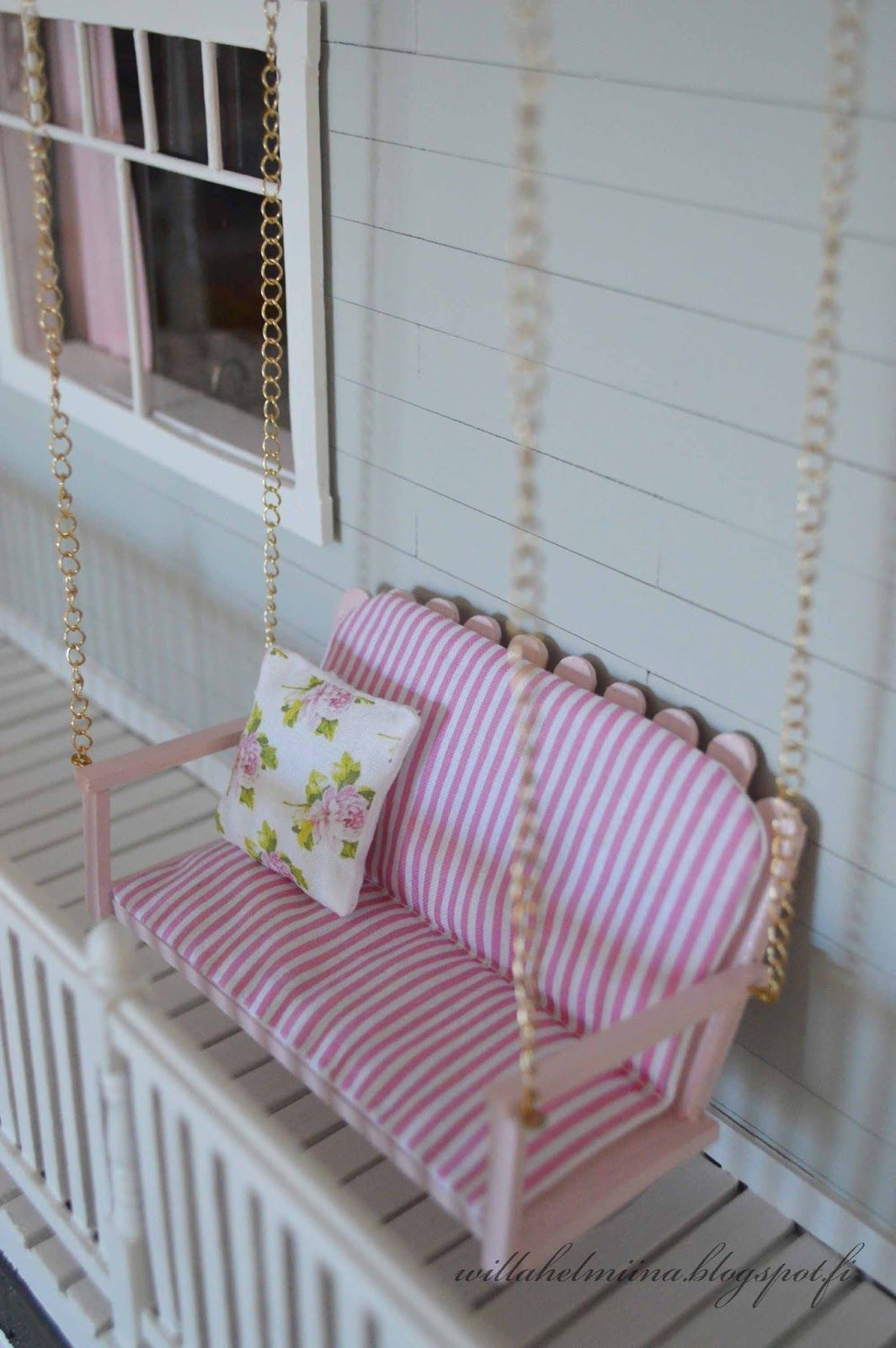 Hydrangea and porch swing tutorial... #barbiefurniture Hydrangea and porch swing tutorial... #barbiefurniture