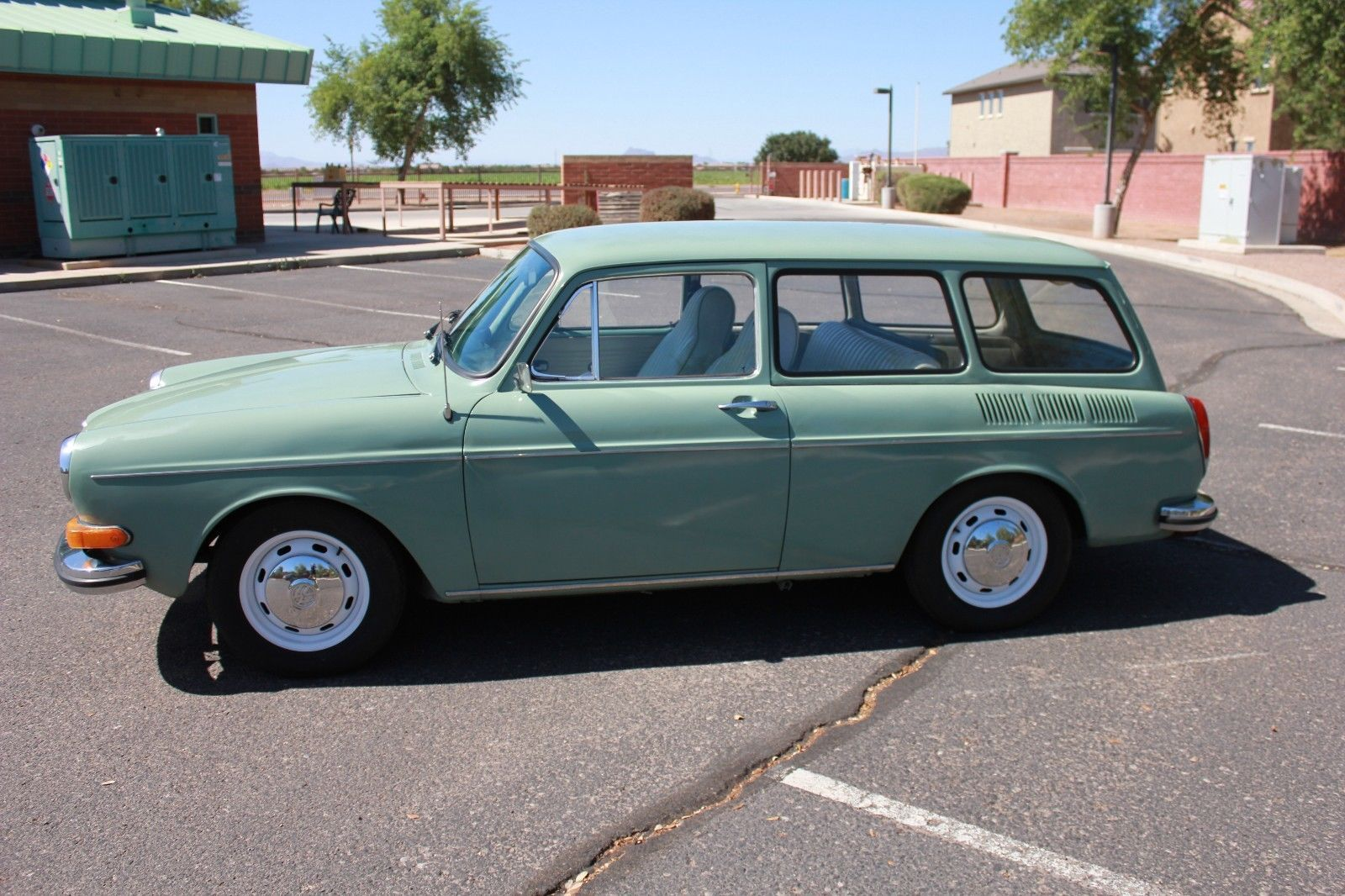 1971 Volkswagen Beetle Classic Volkswagen Type 3 Volkswagen Volkswagen Squareback