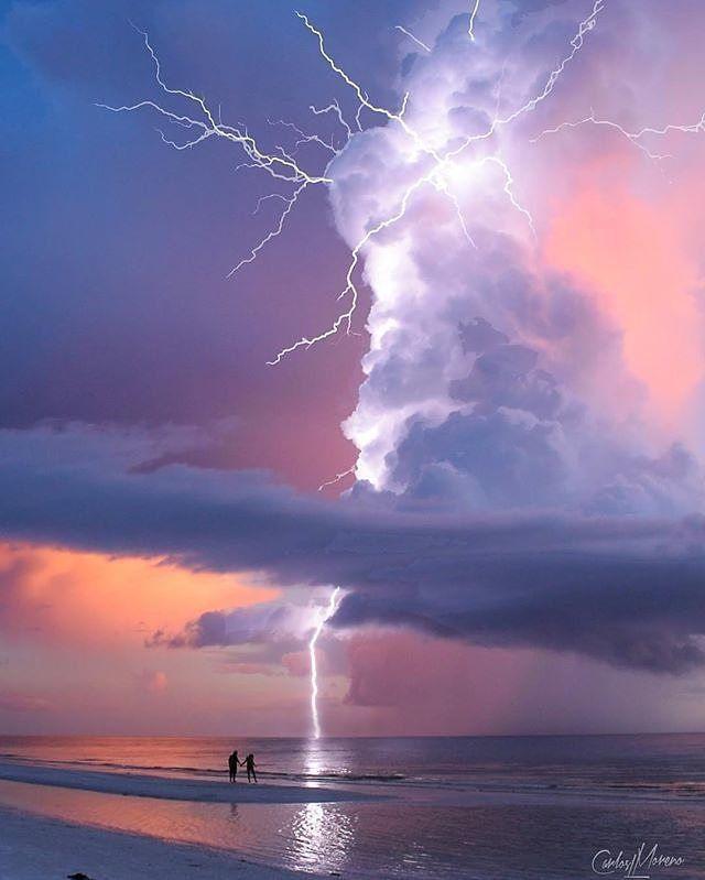 Lightning strikes at Macro Island, Florida. 🌩🌩 Photo by: @carloslmoreno