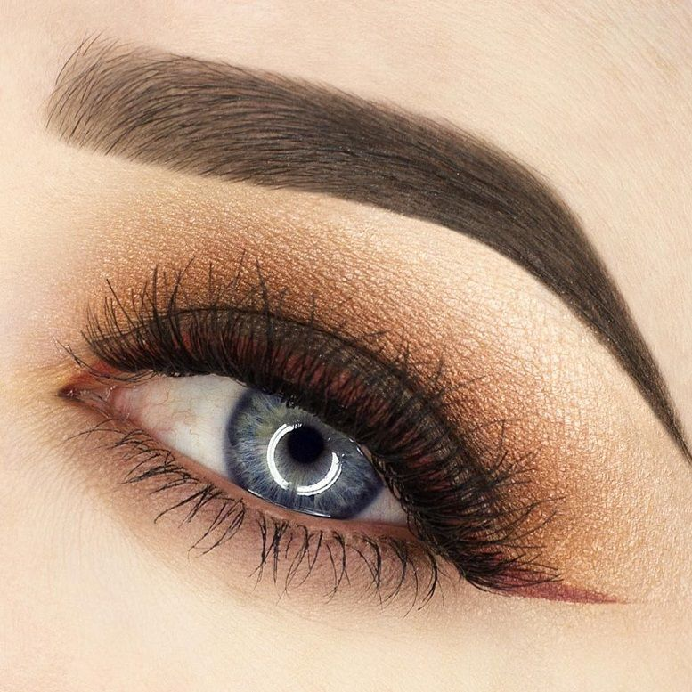 Stunning light rose gold eye makeup