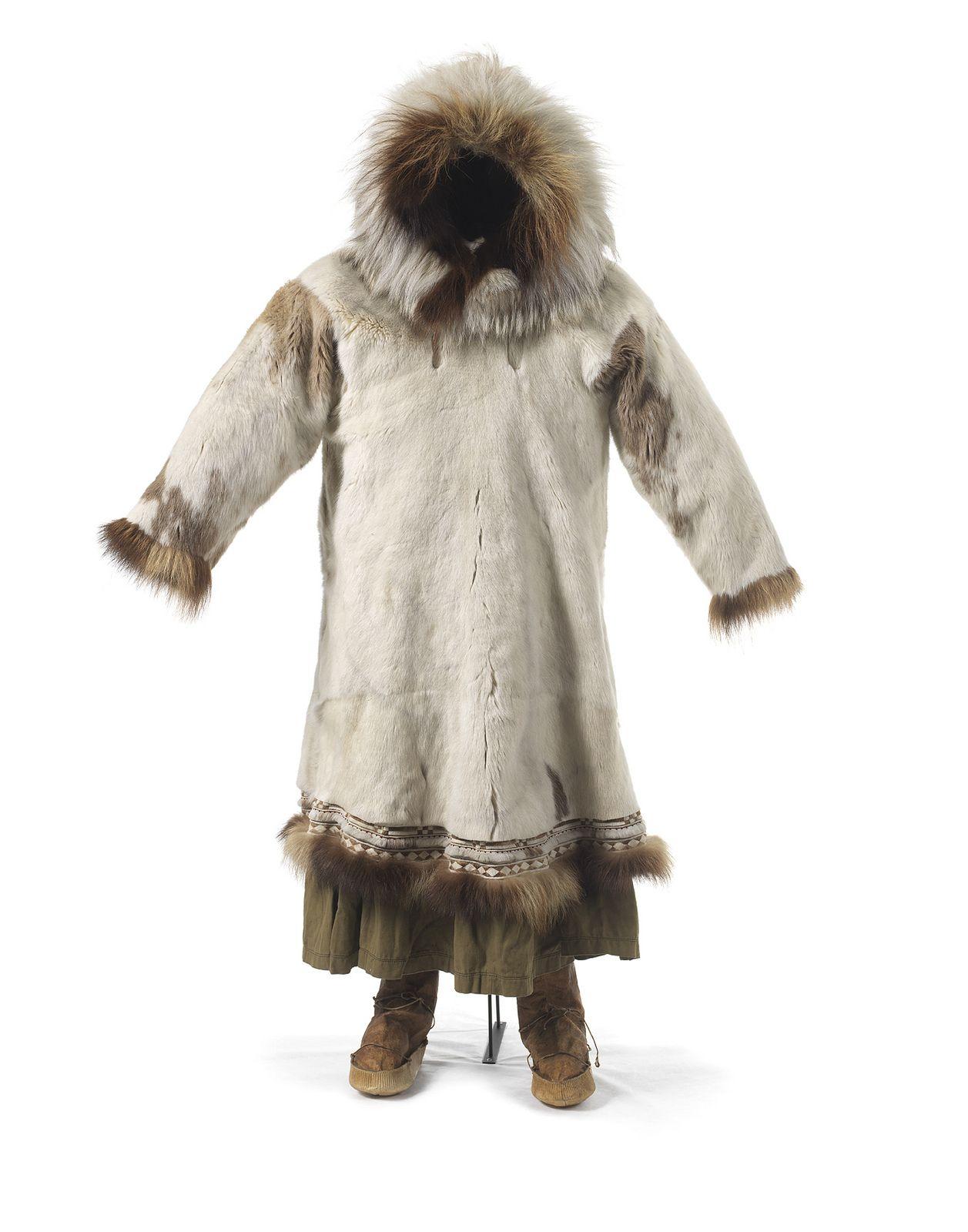Tøj til kvinde fra inuit i Nordalaska - Woman's clothes ...