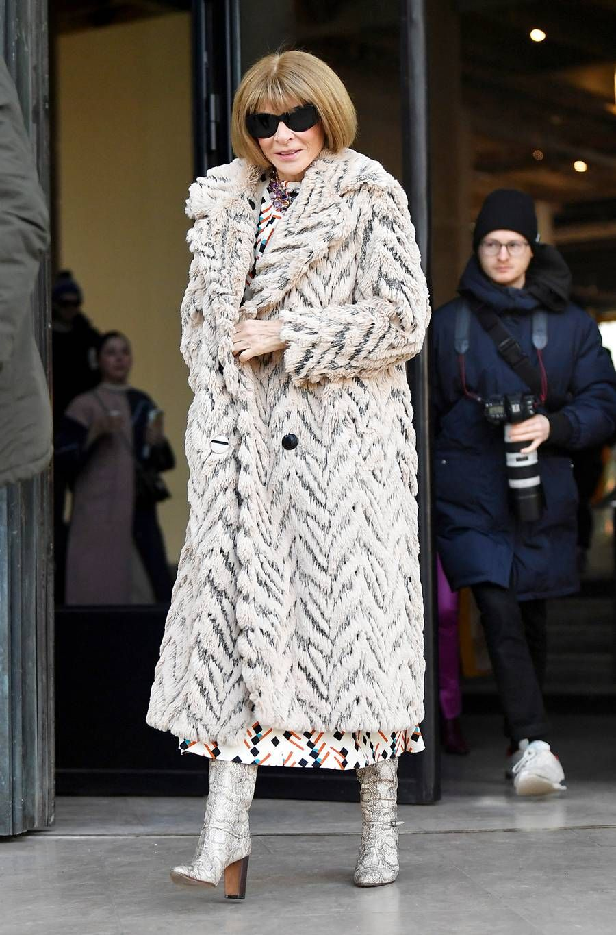 Anna Wintour's Capsule Wardrobe She Always Packs for Paris | Who What Wear