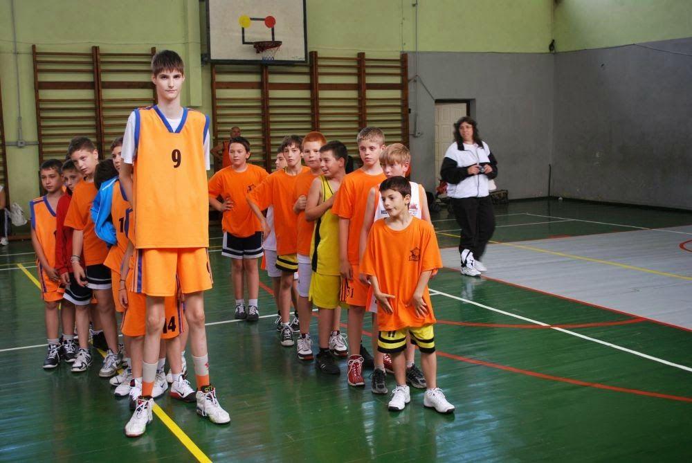 Românul gigant2,26 cm la 13 ani !!! Nba, Best