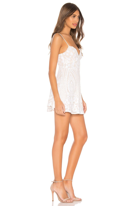 Tiff Mini Dress Em 2021 Feminino Roupas Femininas Roupas [ 1450 x 960 Pixel ]