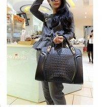 Creo que Fashion Alligator Pattern Handbag - Black te gustará. Agrégalo a tu lista de deseos   http://www.wish.com/c/533264b90a74fb0b12e83f13