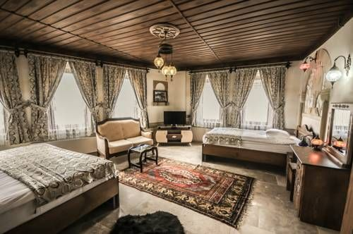 Peace Stone House G�reme Peace Stone House is set in Goreme. The bed and breakfast has a barbecue and terrace, and guests can enjoy a meal at the restaurant.  Some rooms include a seating area for your convenience.
