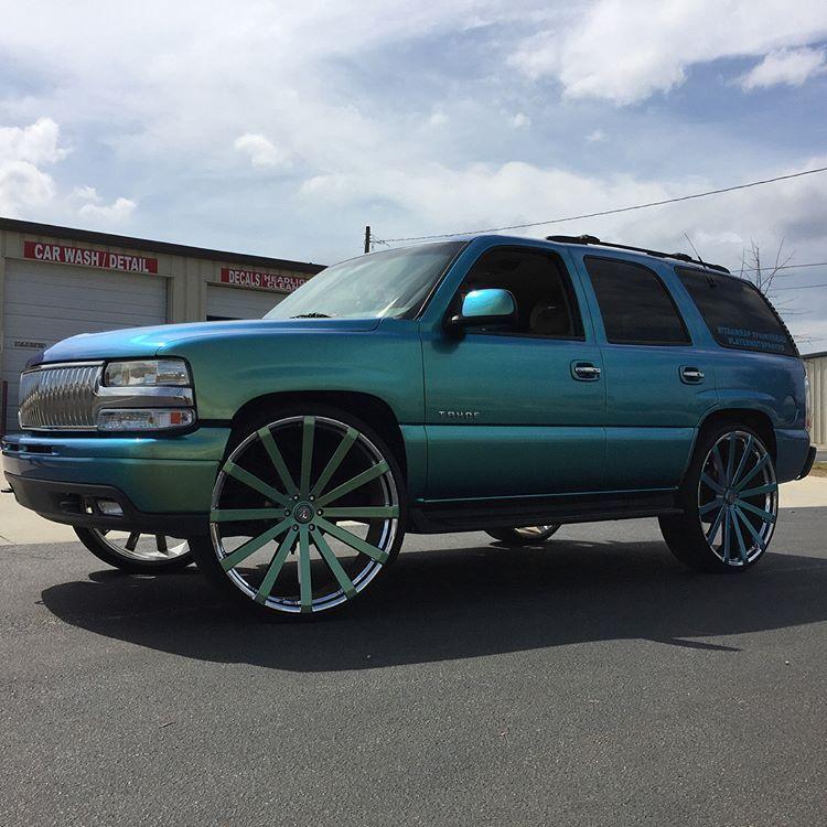 Custom Chevy Tahoe >> 2001 Chevy Tahoe Lt Edition 30 Inch Wheels Big Rims