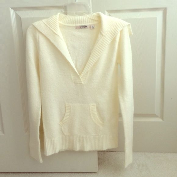 Off white sweater I don't think I ever wore this! But nice and soft off white/cream v neck Energie Sweaters V-Necks
