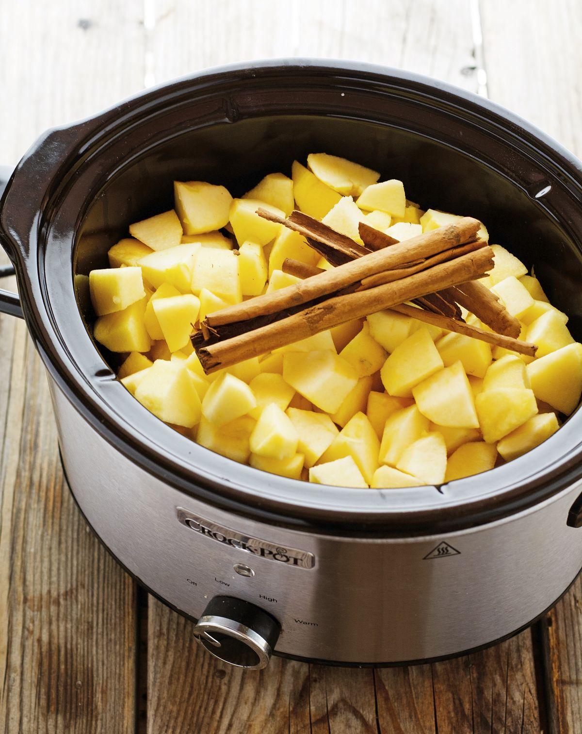 Crock Pot Cinnamon Applesauce (No Added Sugar