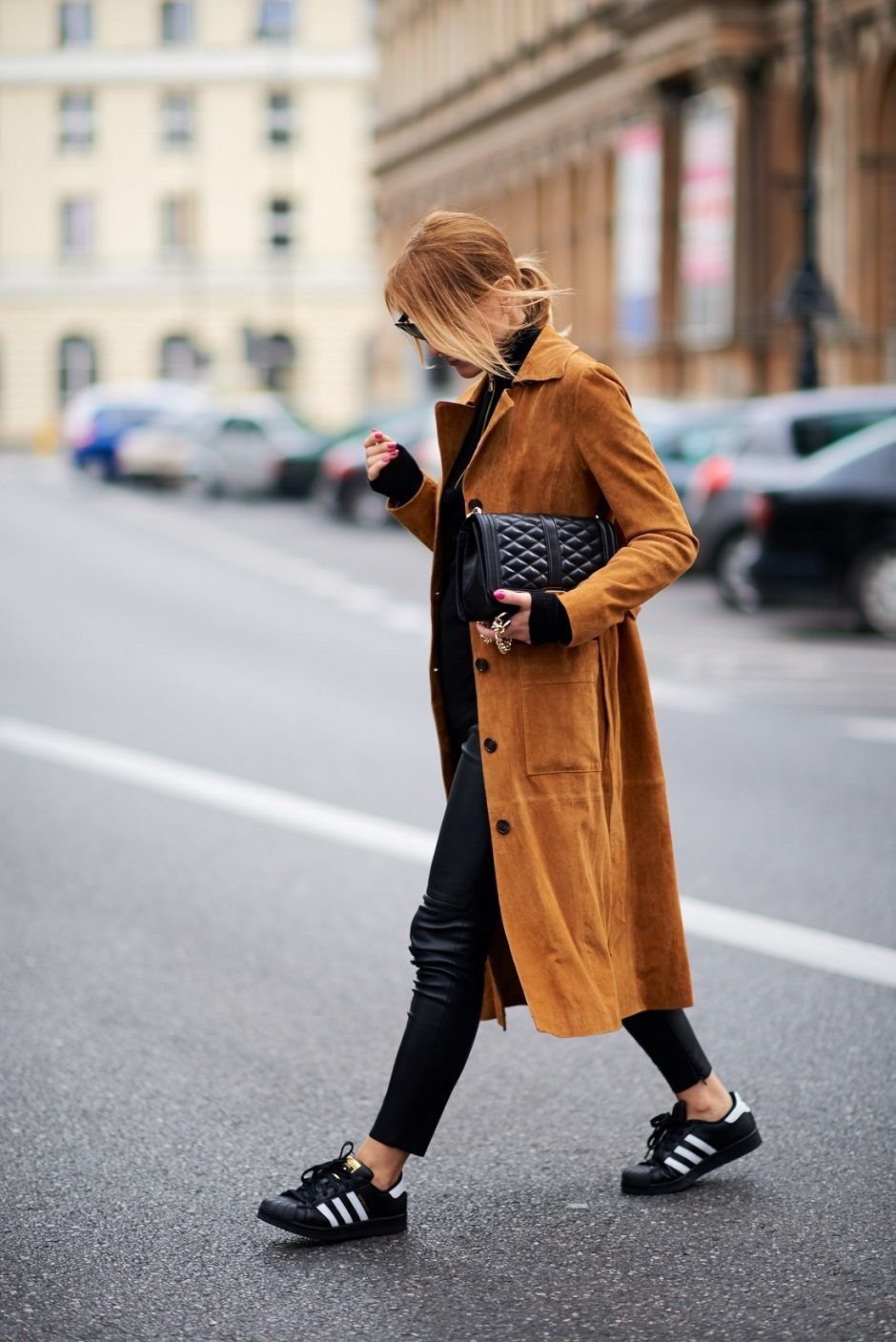 1c305d101e2 long suede coat with sneakers