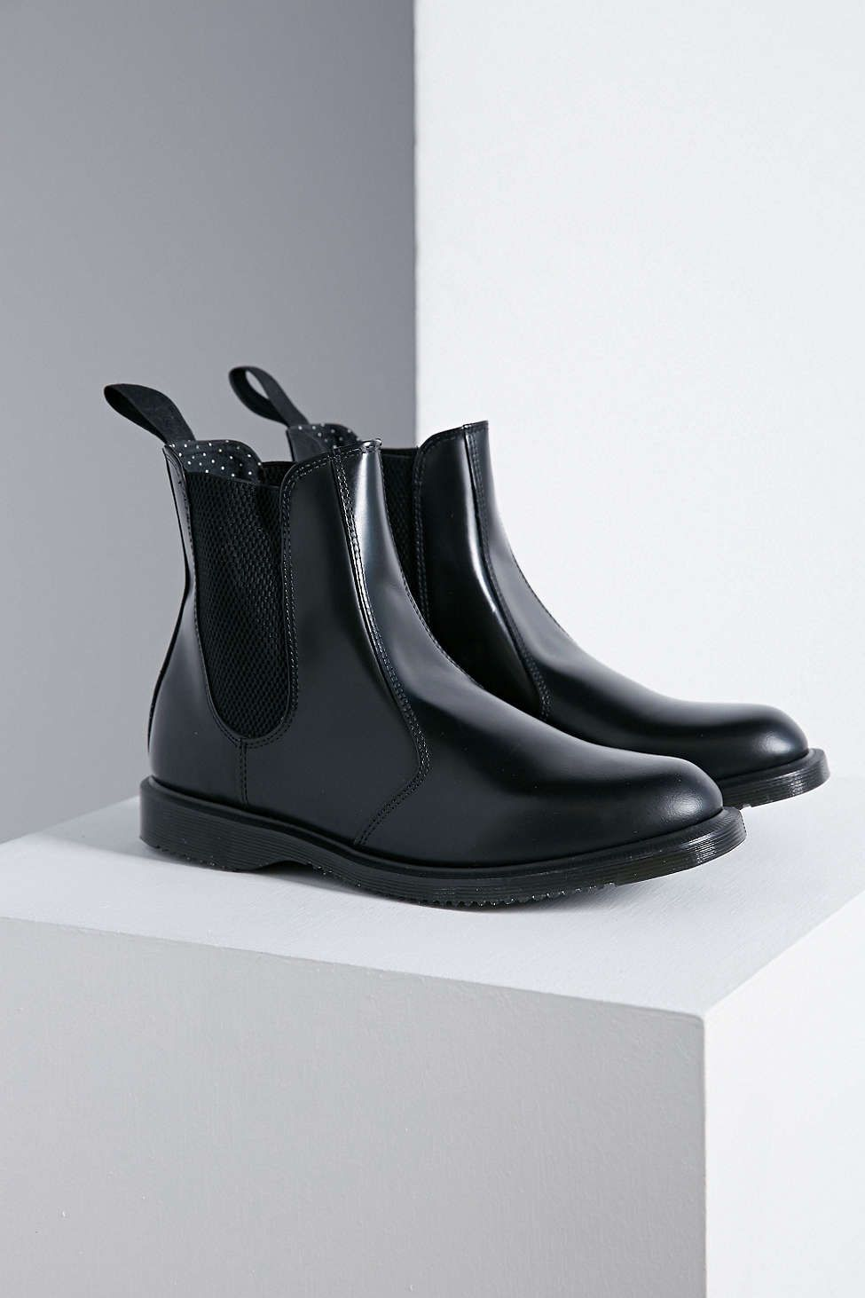 dr martens flora chelsea ankle boot fit game black. Black Bedroom Furniture Sets. Home Design Ideas