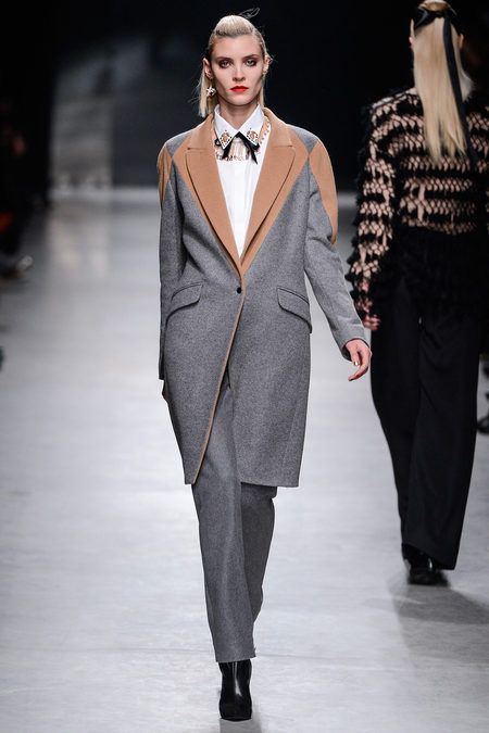 Alexis Mabille Fall 2013 Ready-to-Wear Collection Slideshow on Style.com