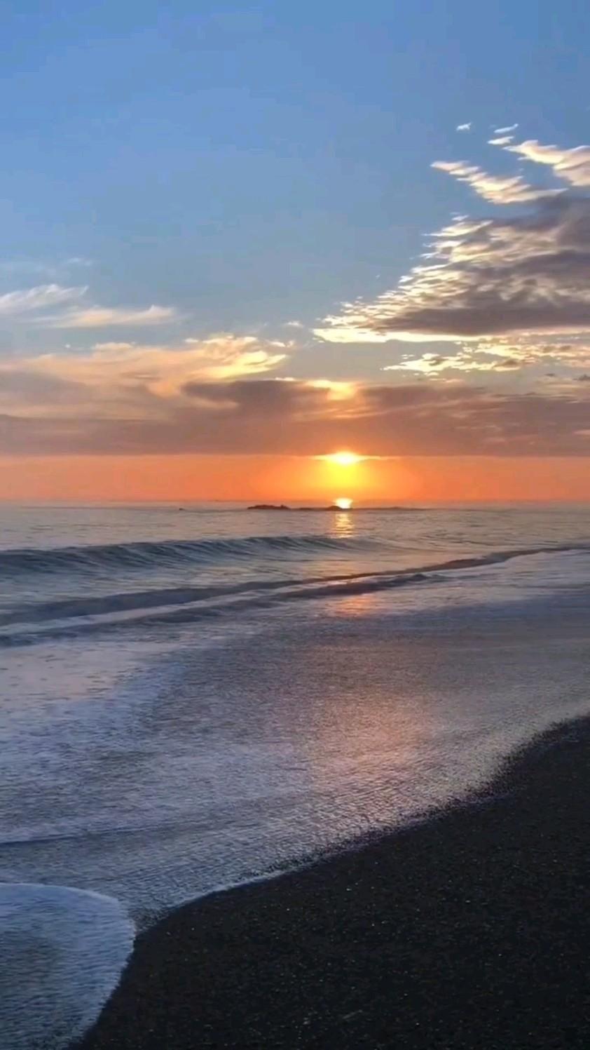 Beach Wave & Sunset