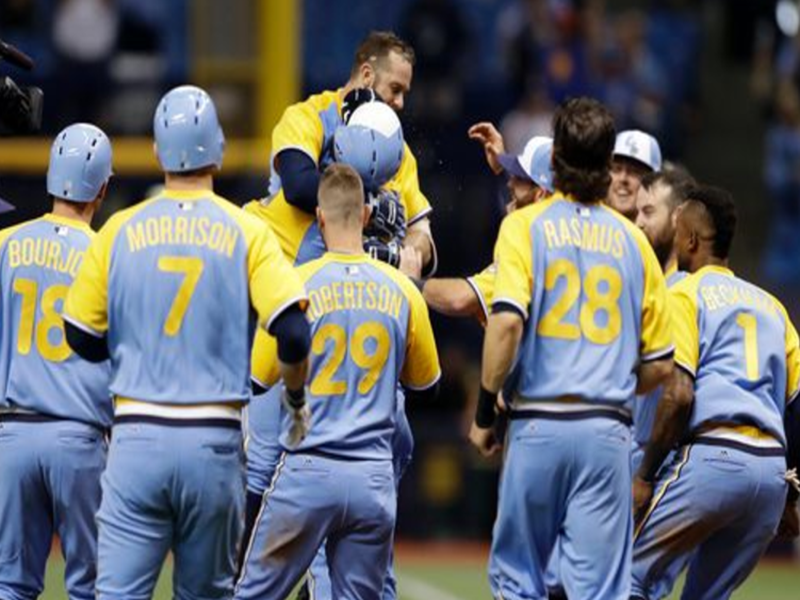 Longoria Delivers Walk Off Hit Rays Win Opener Athlete Tampa Bay Rays Baseball Rays Baseball