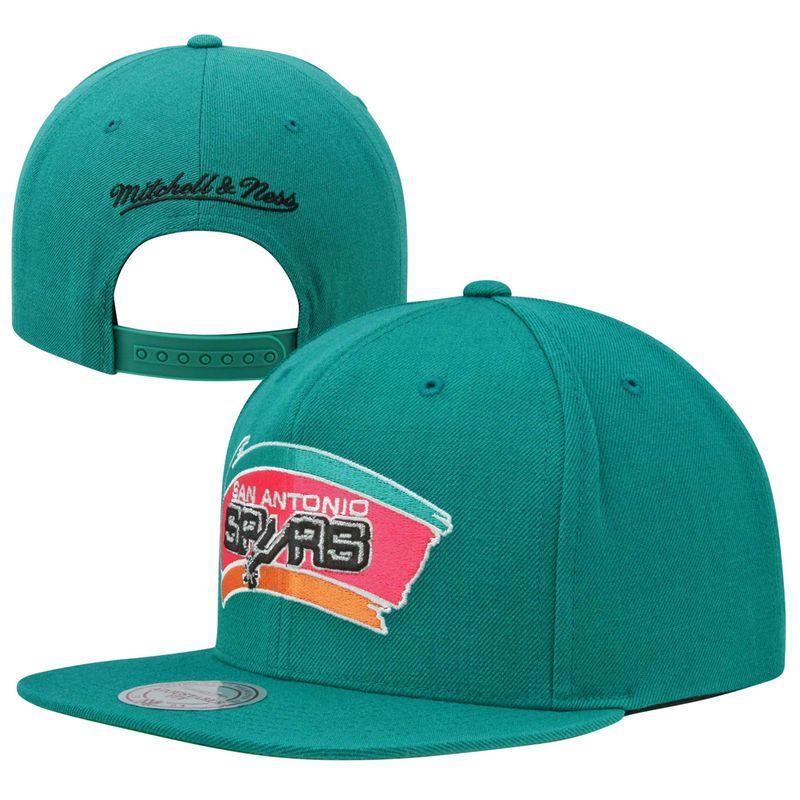 finest selection 64096 e3a15 Mitchell   Ness San Antonio Spurs Hardwood Classic Basic Logo Snapback Hat  - Teal