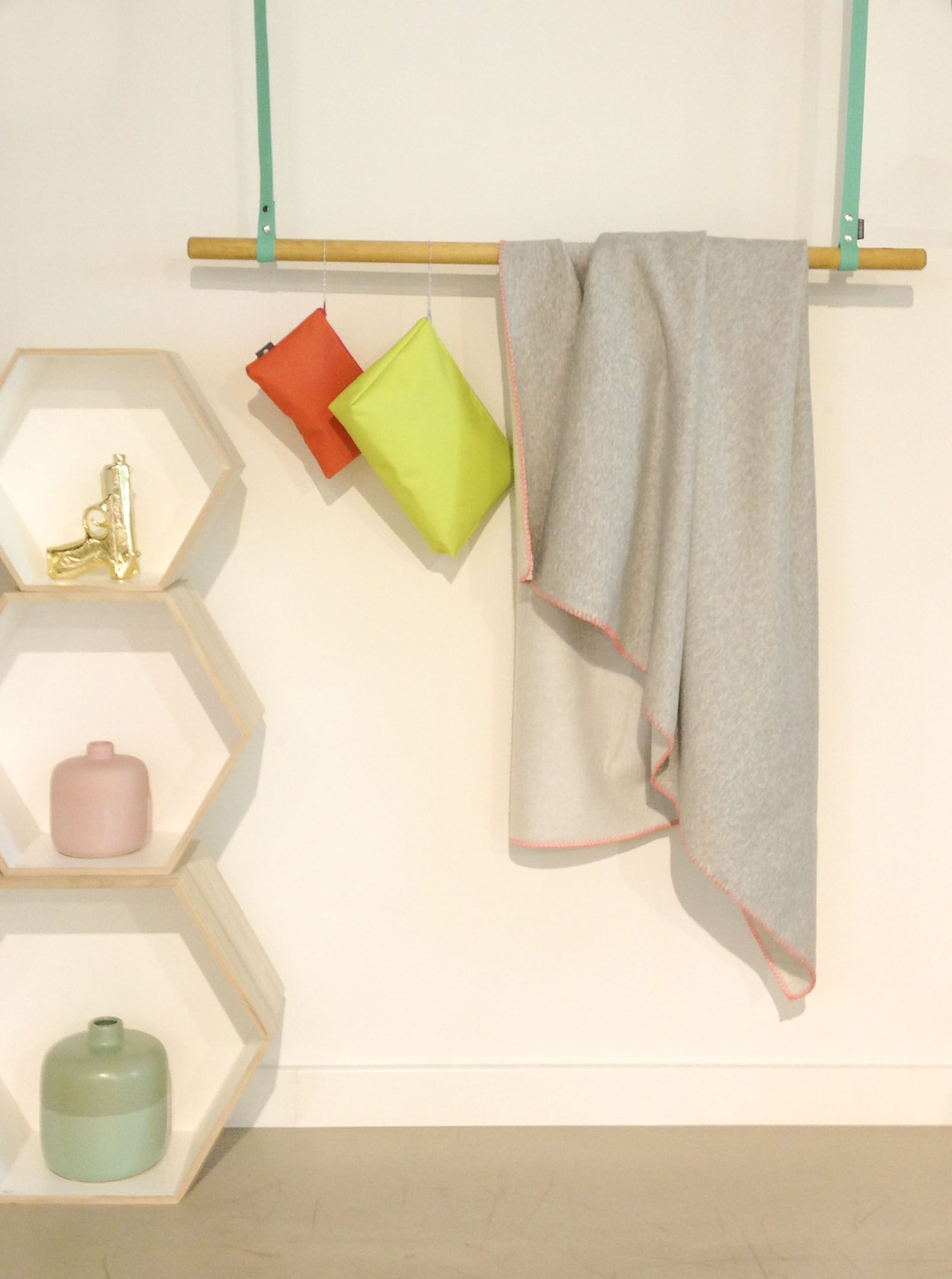 Holz Factory regal hanging jeffrey holz entworfenes design hook eye