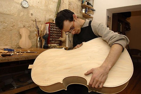 Yann Poulain working on a new cello